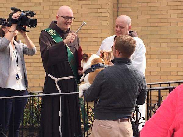 El franciscano John-Sebastian Laird-Hammond, primer diácono permanente fallecido por coronavirus (Whasington, EEUU) , del que se tiene noticia