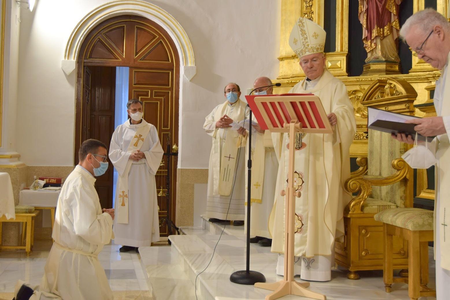 El Obispo de Jaén, España, preside la admisión a órdenes del aspirante a diácono permanente D. Francisco José Cano de Haro