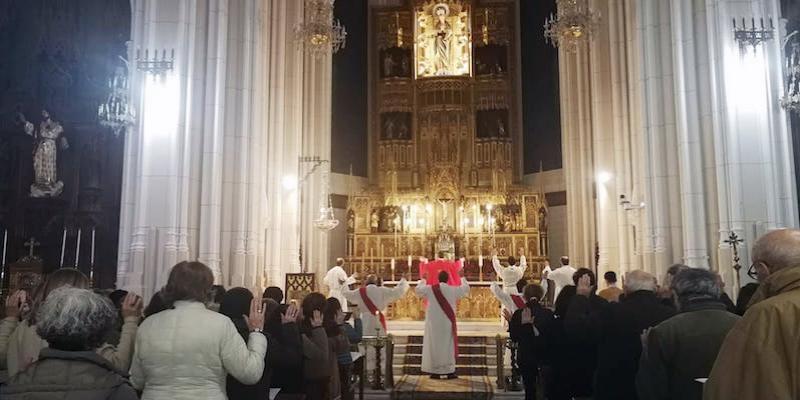 El neo diácono José Luis Gallego participa junto a un neo presbítero en la Eucaristia en rito hispano-mozárabe