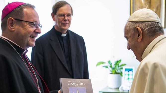 El presidente de los obispos alemanes se suma a Hollerich y afirma que «el diaconado de mujeres es algo muy legítimo»