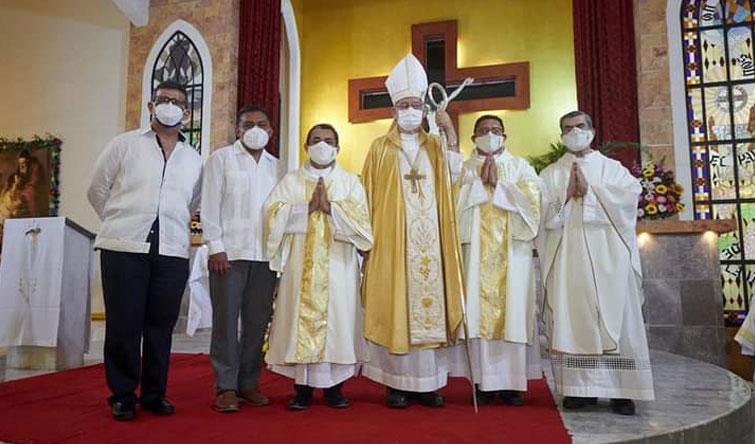 Se ordenan diáconos permanentes dos señores del Regnum Christi