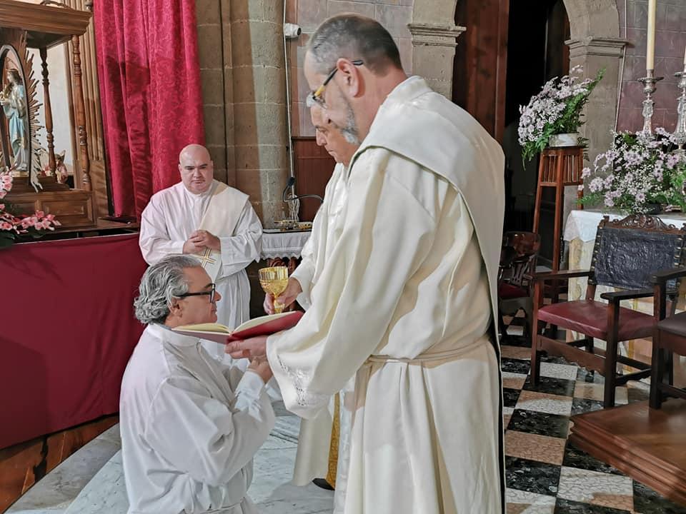 Convocatoria al ministerio de acólito en la diócesis de Tenerife, España