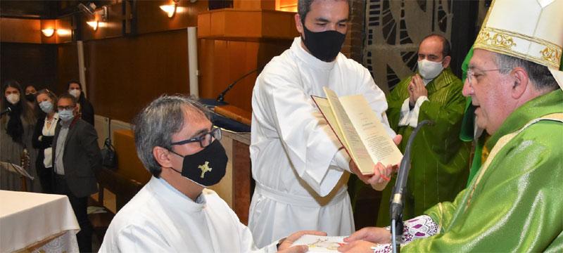 El obispo de Getafe -España- anima al nuevo acólito de Móstoles a buscar en su vocación la gloria de Dios