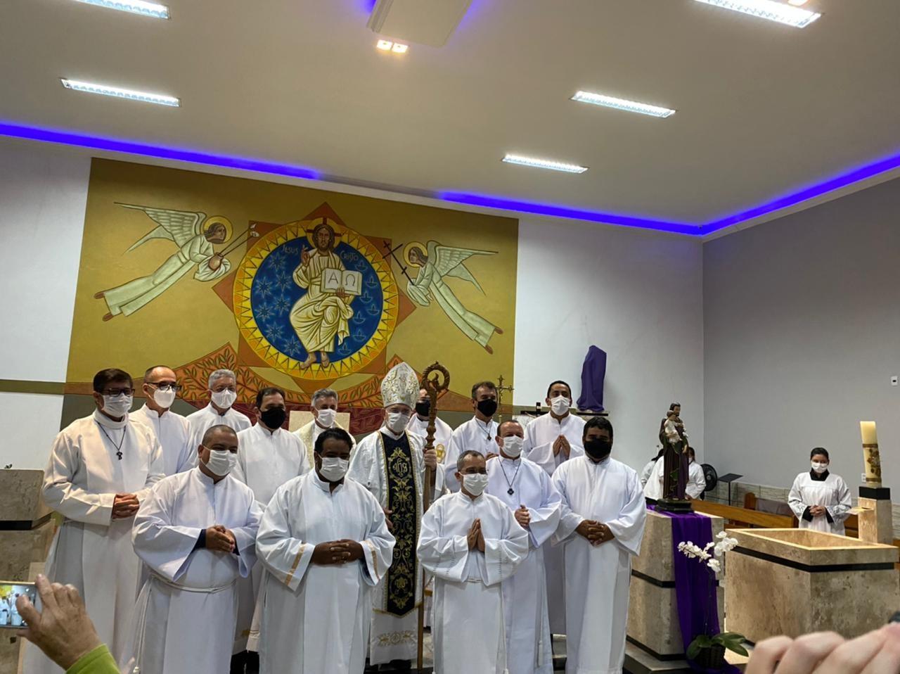 Candidatos ao Diaconado da Arquidiocese de Goiânia, Brasil (GO) são admitidos ao Acolitado