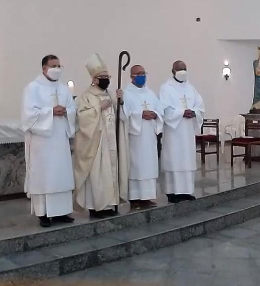 Ordenados 3 Diáconos Permanentes na Diocese de Ponta Grossa (PR), Brasil