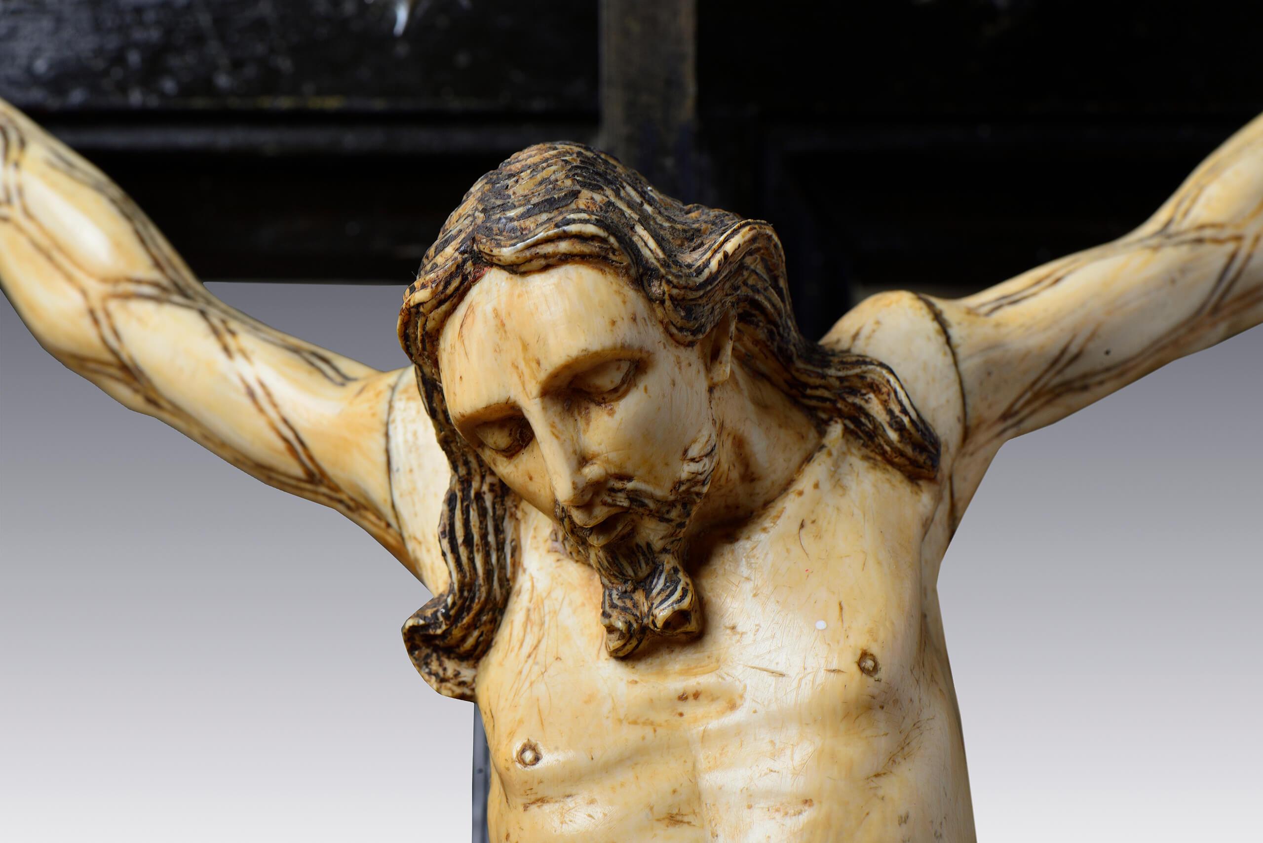Nuevos crucificados, tantos pies que lavar