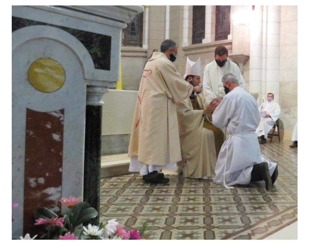 Archidiócesis de Mar de Plata Argentina:El Obispo ordenó a Walter De Santis Diácono Permanente