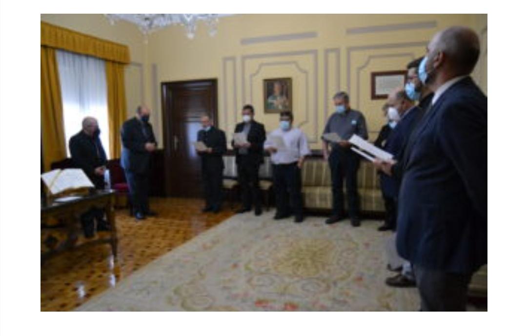 Diócesis de Huelva, España: Los nuevos delegados y directores de secretariados diocesanos juran el cargo ante el Obispo