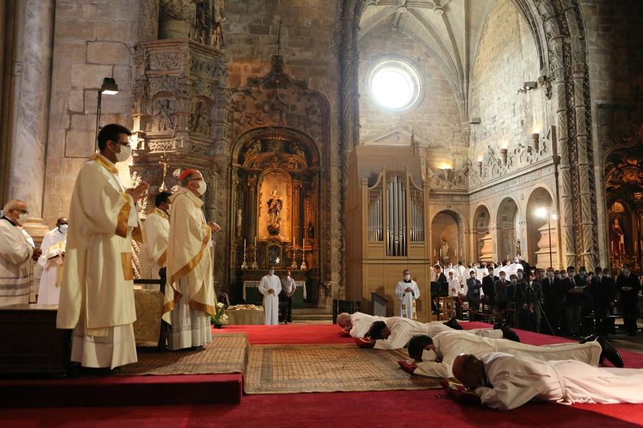 Cardeal-Patriarca:  Homilia na Missa de Ordenação  Homilía na Missa de Ordenação de diáconos